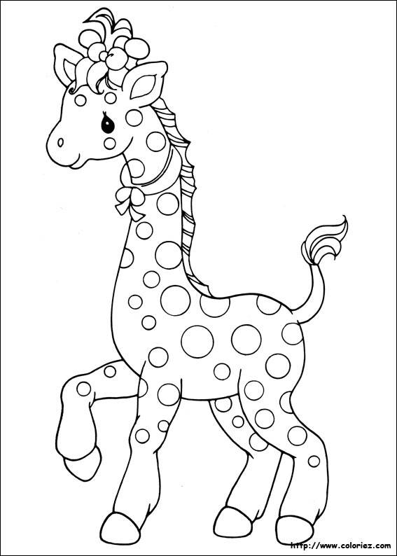 Free coloring and drawings A beautiful Giraffe Coloring page