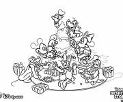Coloring pages Disney Characters Prepare Christmas Tree