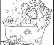 Coloring pages Strawberry Shortcake takes a bath