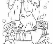 Coloring pages Dumbo is showering
