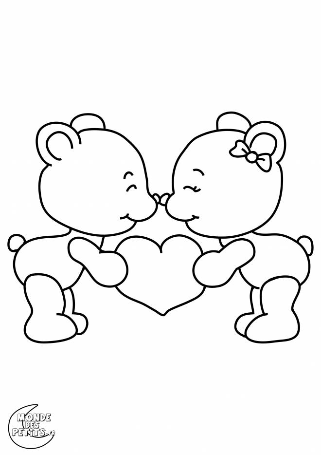 Free coloring and drawings Cute bears carrying a Heart of love Coloring page