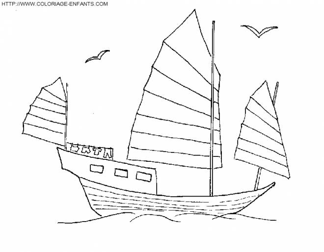 Free coloring and drawings A wooden boat traveling Coloring page