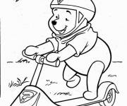 Coloring pages Bear has fun on his scooter